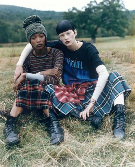 90s-grunge-style kristen_mcmenamy Naomi Campbell_by_steven_meisel