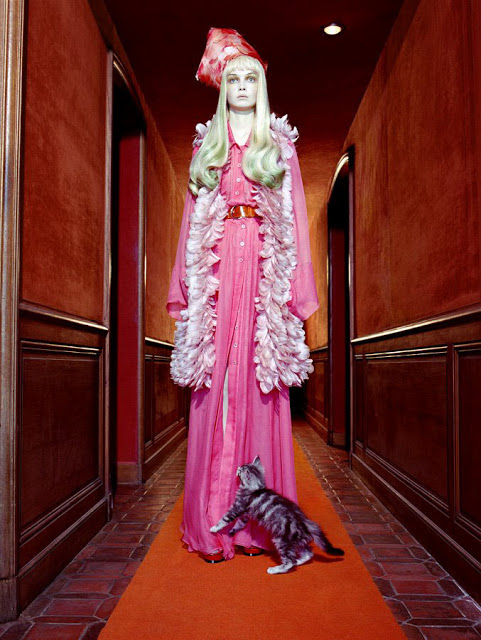 Miles_Aldridge_Siri_Tollerod_Vogue_Italia_May_2008_The_Vagaries_of_Fashion_Cat_Story_010
